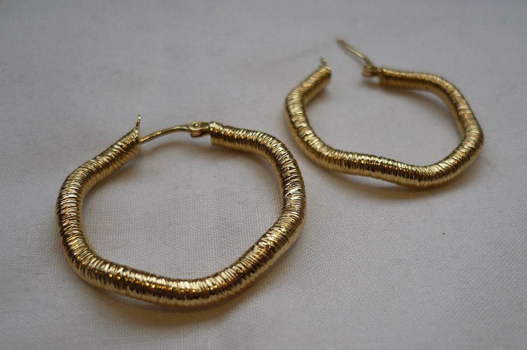 Big Wrapped 14carat Vintage Earrings