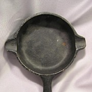 Wagner Ware Cast Iron Toy Skillet Sz 0 Griswald Sample