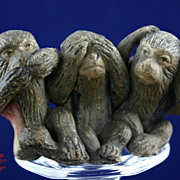 Antique Japanese Bankoware Evil Monkey Figural Group