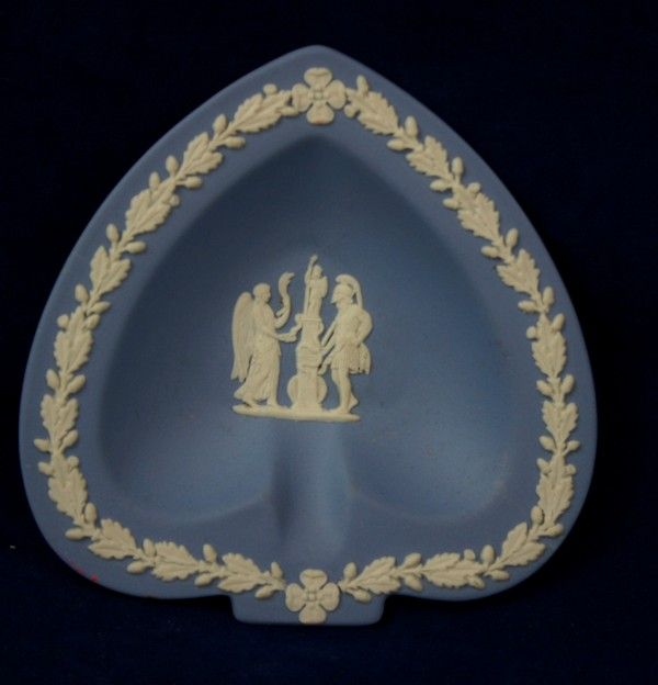 Nice vintage wedgewood england jasper ware spade dish from for Wedgewood designs