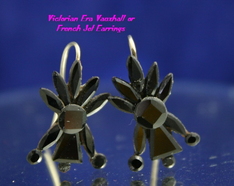 Early Victorian Pair of VAUXHALL or French Jet Earrings, Very Pretty