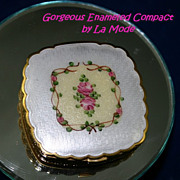 Sweet Vintage Enameled Compact by La Mode