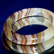 FABULOUS Vintage Banded Agate or Onyx Bangle Bracelet