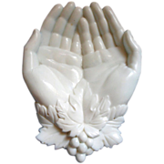 Lovely Vintage WESTMORELAND Queen Victoria's Hands Tray