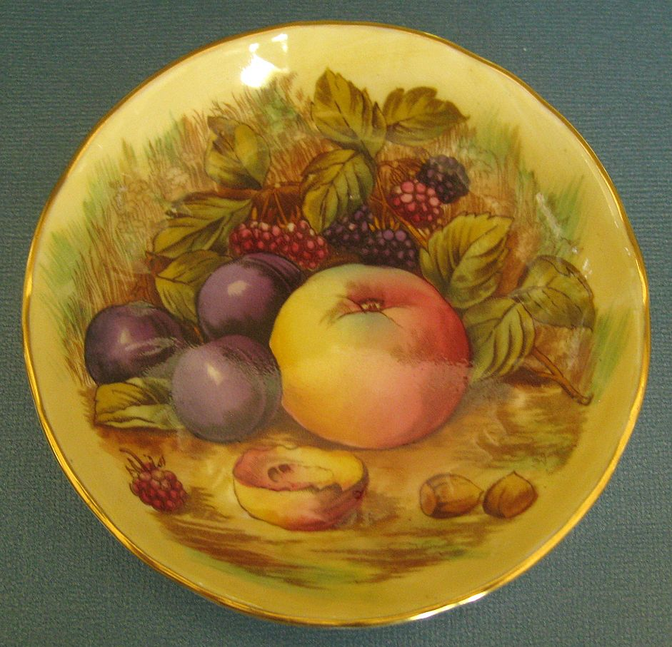 "Lovely Vintage English Aynsley ""Orchard Gold"" Fruit Motif Dish"