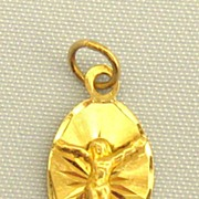 Vintage 14K Yellow Gold Jesus Christ Medallion Pendant or Charm
