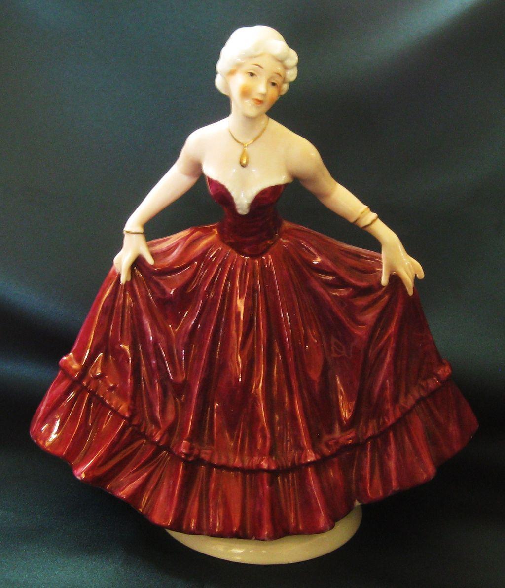 Beautiful Vintage Hand Painted Signed Porcelain Graceful Lady Figurine