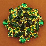 Sparkling Vintage Emerald Green Rhinestone Brooch