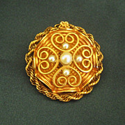 Sweet 1950's 12K Yellow Gold Filled Winard Brooch with Faux Pearls