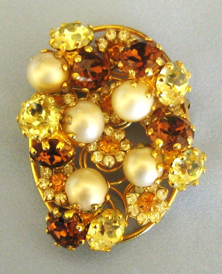 Fabulous Vintage Rootbeer Rhinestone Flower and Simulated Pearl Trembler Brooch