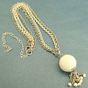Attractive Vintage White and Silver Tone Ball Tassel Necklace