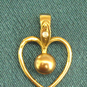 Lovely Vintage 10K Gold Heart Pendant with Diamond and Glass Pearl