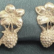Lovely Vintage Sterling Silver Staw Berry Earrings