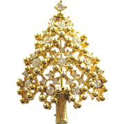 Sparkling Vintage Signed Eisenberg Christmas Tree Pin