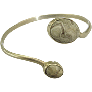 Attractive Vintage Agate Sterling By Pass Bracelet