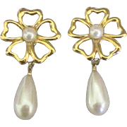 Beautiful Vintage 1960's Marvella Faux Pearl Flower Earrings