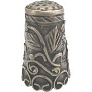 Vintage 1940's Ornate Sterling Thimble with Tendrils and Leaves