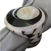 Attractive Vintage Cone Shell MOP Ring- Size 5 1/4