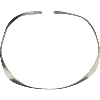 Lovely Sterling Hammered Collar Style Necklace