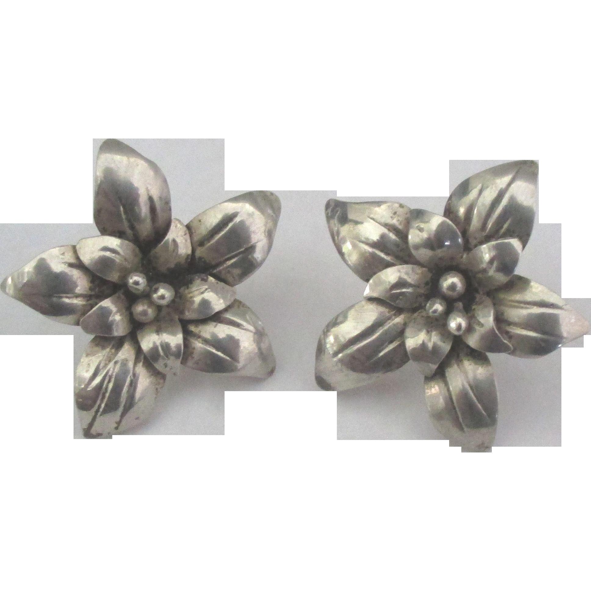 Lovely Taxco Sterling Flower Pierced Earrings