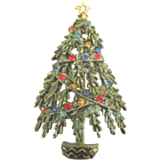 Signed ART Rhinestone Christmas Tree Pin