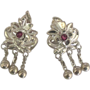 Vintage Elegant Sterling Garnet Cuff Links