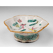 18th C. Chinese Pedestal Sauce Dish