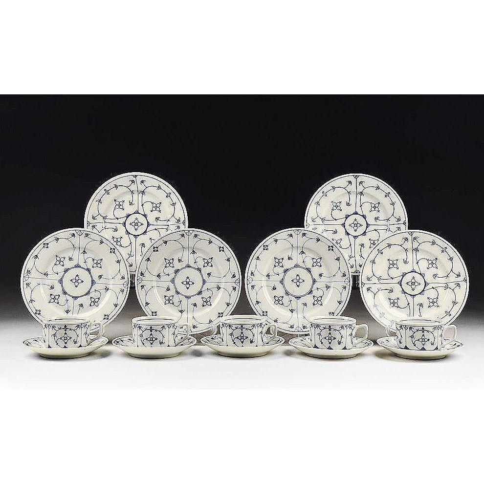 16 Pc. Blue & White Oscar Schaller & Co. China