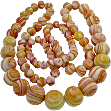 Exceptional Vintage Swirling Art Glass Graduated Bead Necklace