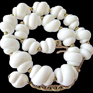 White Graduated Glass Shell-Like Necklace Choker