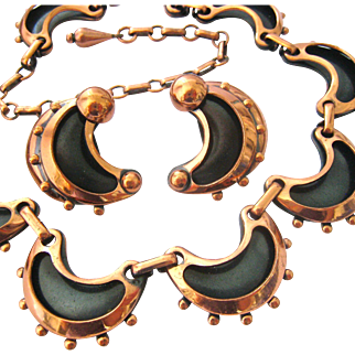Renoir Copper Scalloped Necklace and Earring Set