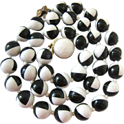Black White Op-Art Plastic Bead Necklace Hand Knotted Hong Kong