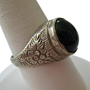 Old Silver Black Cabochon Ring Likely Mid-Eastern