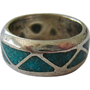 Substantial Sterling Silver 925 Crushed Turquoise Inlay Band Ring