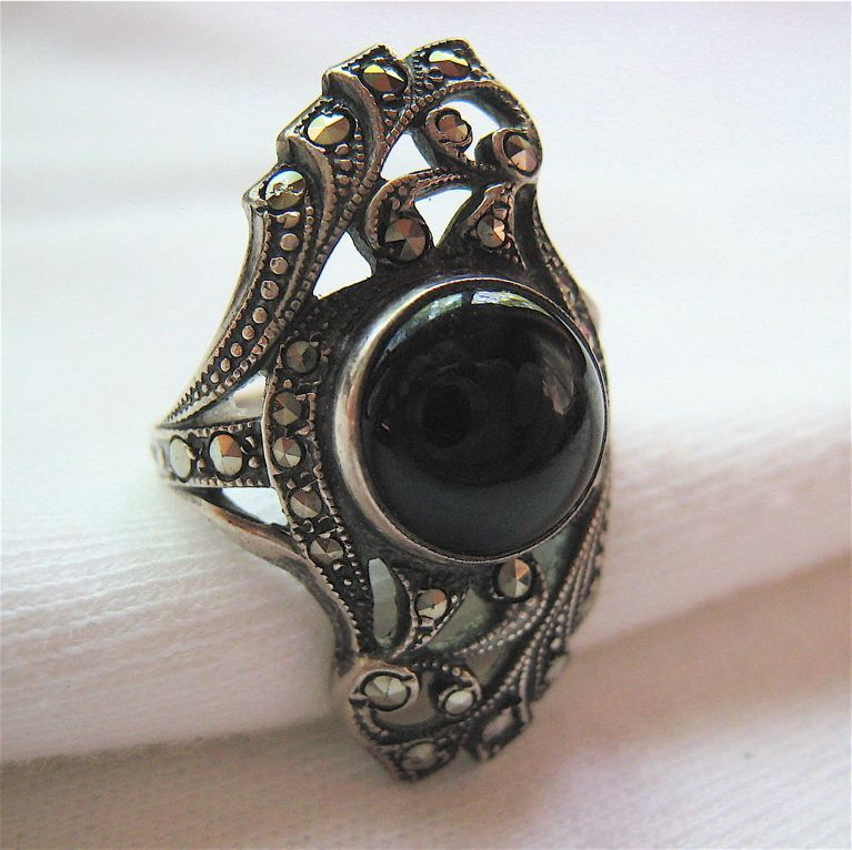 Uncas Sterling Silver 925 Marcasite Onyx Ring Small Size
