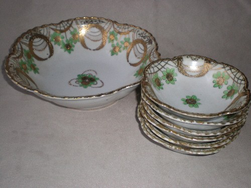 Fabulous Green & Gold Nippon Berry Set