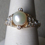Magnificent 14k Yellow Gold Pearl & Diamond Ring