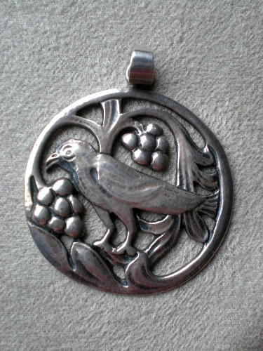 Charming Vintage Stelring Silver Bird Pendant