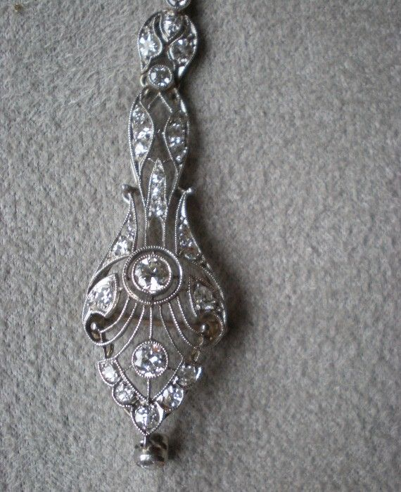 Gorgeous Art Deco 14k White Gold and Diamond Pendant Necklace