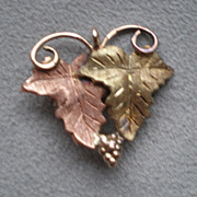 Fabulous Black Hills Gold Leaf Pin / Brooch