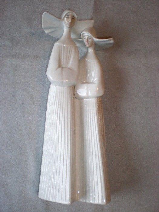 "Fabulous Retired Lladro ""Two Nuns"" Figurine"