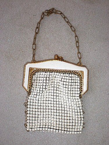 Marvelous Vintage Whiting & Davis Mesh / Enamel Coin Purse