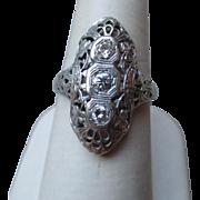 Sunning 18k Gold and Diamond Ring