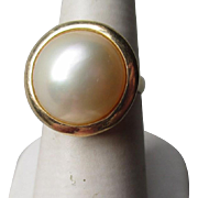 Beautiful 14k Gold and Mobe Pearl Ring