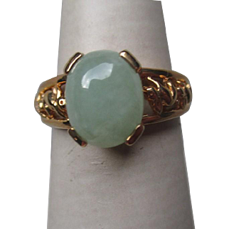 Gorgeous 14k Gold and Green Jade Ring