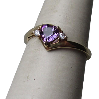 Beautiful 10k Gold and Amethyst Ring