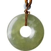 Gorgeous Light Green Jade Pendant Necklace