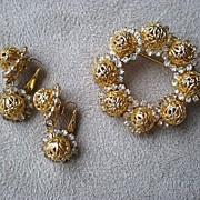"Fabulous Vintage ""Hobe"" Brooch / Pin with Matching Earrings"