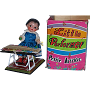 RARE 1960's Little Performer Petite Artiste Doll Wind-Up Mechanical Toy plays Xylophone Pristine MINT in Box Unused!