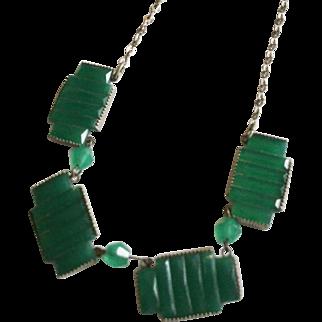 Vintage Art Deco Green Segmented Glass on Silvertone Necklace